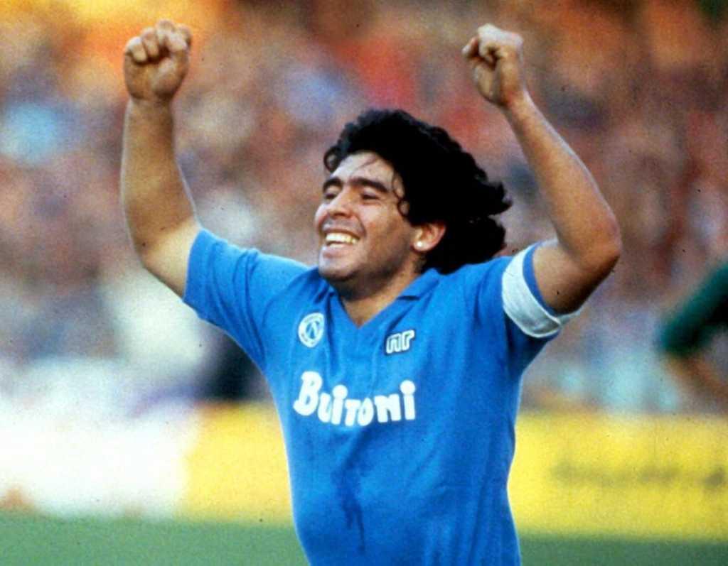 Napoli homenaje Diego Maradona
