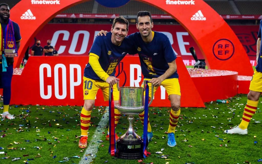 Messi gesto compañeros Barcelona Copa del Rey celebración