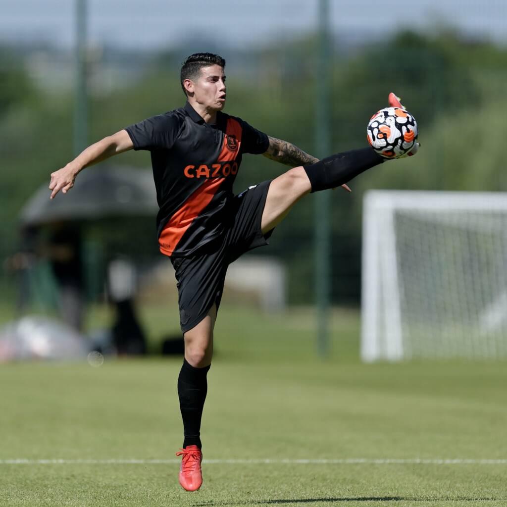 James Rodríguez Everton tiro al arco Pumas Florida Cup