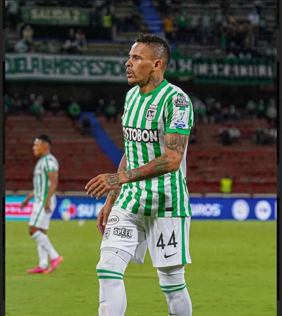Jonatan Álvez gesto hinchada Atlético Nacional